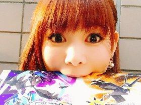 日本女优口吞《精灵宝可梦究极》 太大用嘴含不住