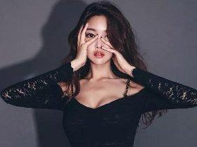 韩国第一超模性感福利美照 前凸后翘黑丝美腿迷人