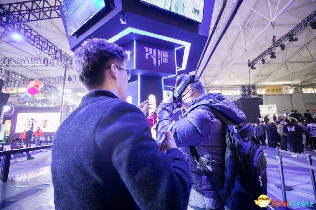 《火源》亮相TGC2019 与电影《拓星者》联合展区引爆线