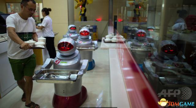 精彩2017 外媒精选过去一年世界各地风格各异机器人