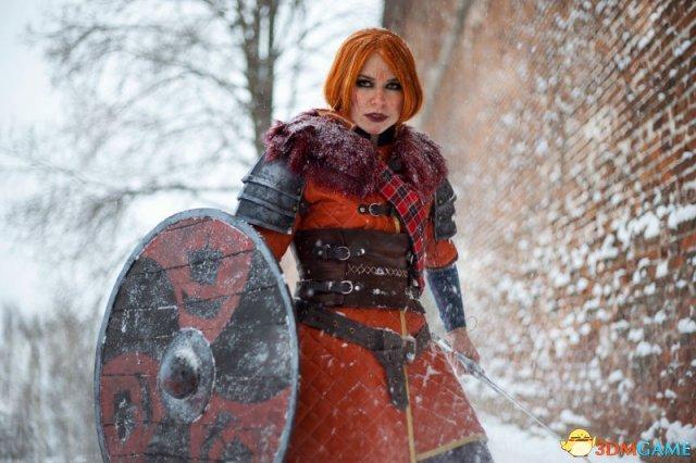 游戏新消息:巫师3狂猎史岛女王神级Cosplay引爆冬天