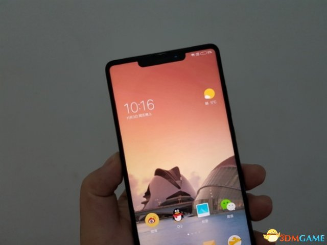 <b>神似iPhoneX!小米全面屏新机外形偷跑 也有刘海</b>