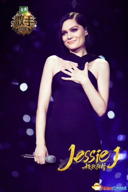 歌手Jessie J发视频吐槽 飞机解禁手机是好是坏