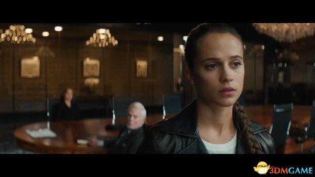 《古墓丽影》电影两则广告 暴力劳拉爱用双枪