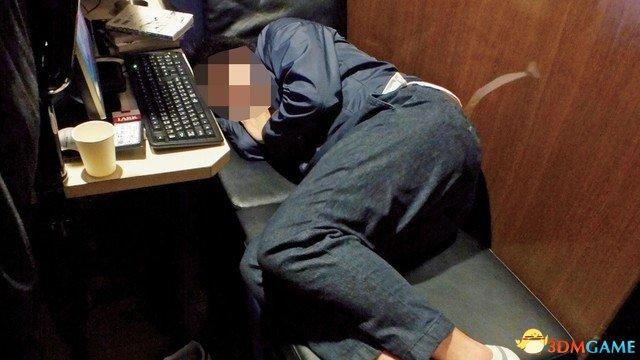 网吧难民,调查显示东京每天约有4000名