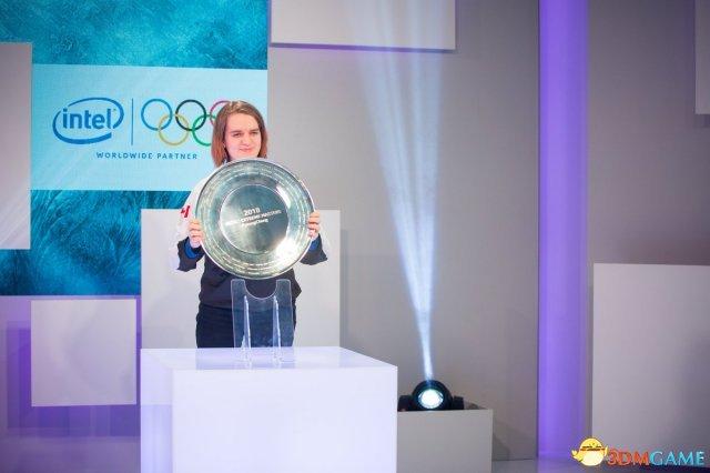 韩国被碾压 冬奥会《星际2》加拿大女选手夺冠