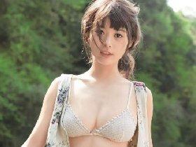 春节福利搞笑囧图速欣赏 俩姑娘蹭来蹭去太不检点