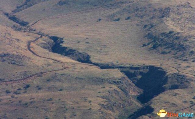 <b>非洲又要四分五裂了?东非地区惊现全新巨大裂缝</b>
