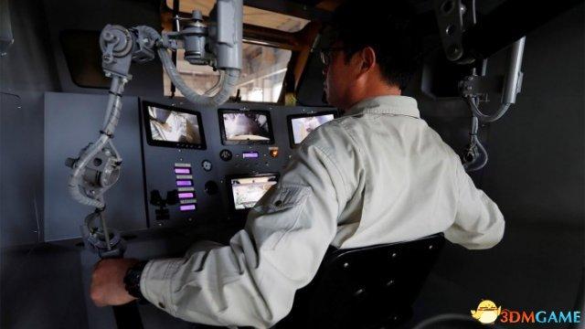 可以移动 日本工程师制造出28英尺高的巨型机器人