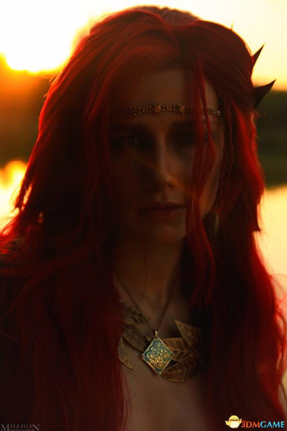 《巫师3》特莉丝精美Cos 敞开胸膛真空上阵太性感