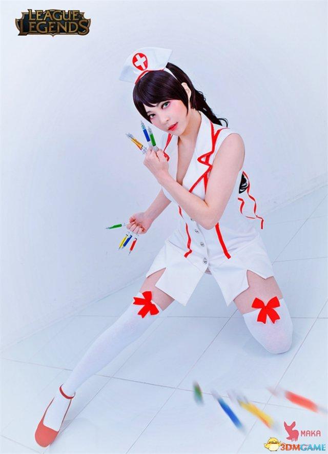 韩美女Cos《英雄联盟》阿卡丽 性感护士给你打针