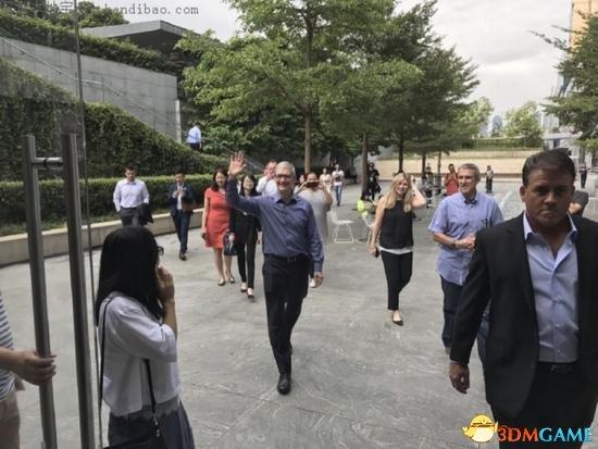 苹果深圳研发中心扩张 华为荣耀53人AI团队被挖