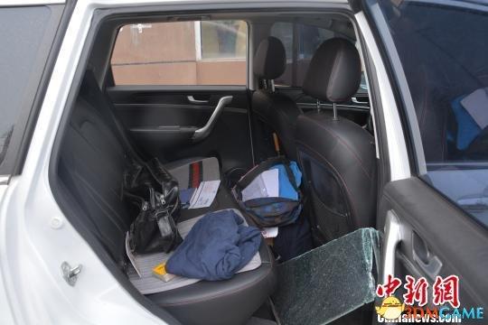 26岁男子因打赏主播缺钱 疯狂砸车68次进行盗窃