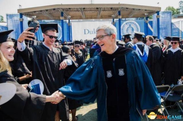 杜克大学毕业典礼苹果CEO库克演讲全文:无所畏惧