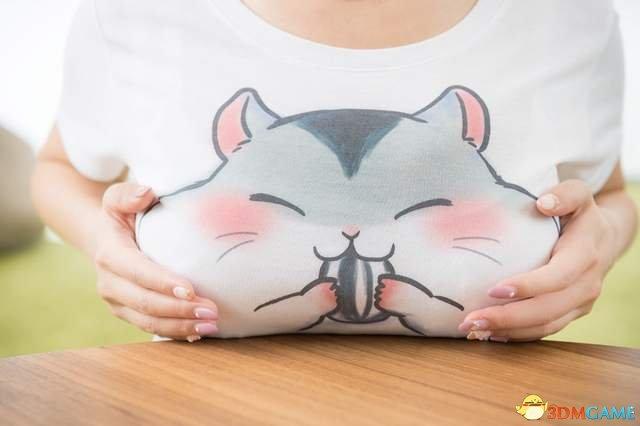 这只仓鼠的脸太可爱了,真让人忍不住想捏一下