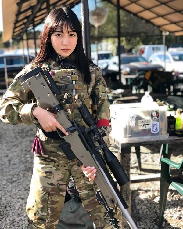 日本美女Coser望月茉莉写真 大胸妹身材火辣性感