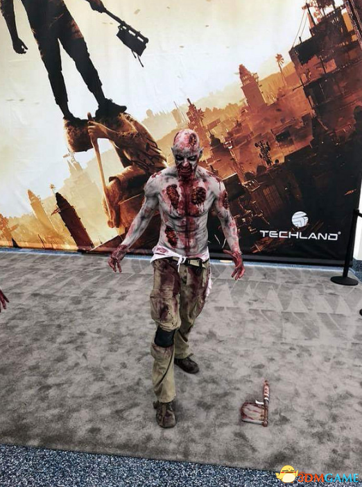 巨幅海报+僵尸COS  《消逝的光芒2》 E3宣传下血本