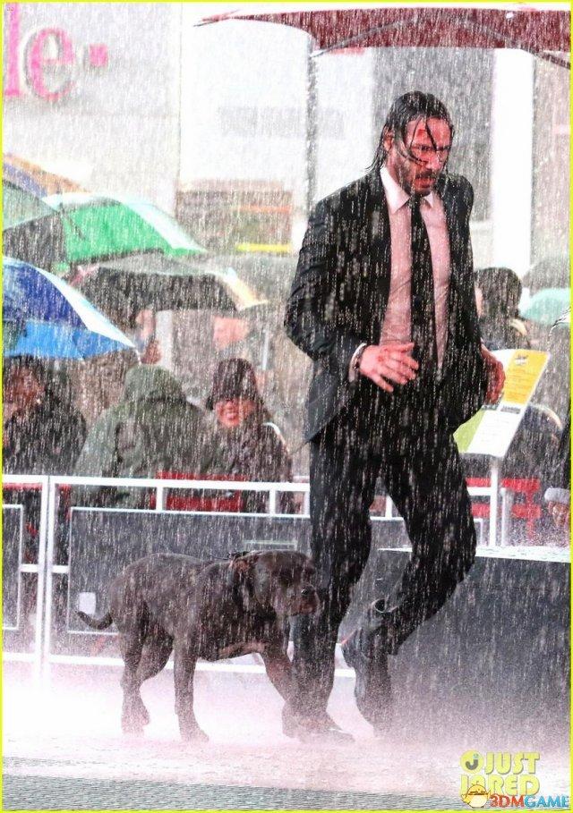 《疾速追杀3》新片场照 基努·里维斯湿身狂奔