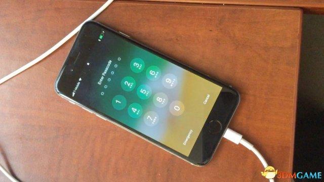 黑客找到iOS 11锁屏密码漏洞:连接数据线暴力破解
