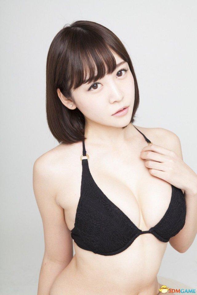 日本军事宅正妹望月茉莉美图 F杯巨乳妹喜欢玩枪