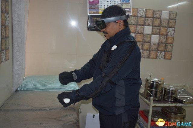 要什么手柄!新动作传感VR衣装HoloSuit众筹成功