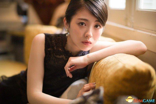 日本女高中生浜辺美波太美丽 小岛秀夫都被迷住了