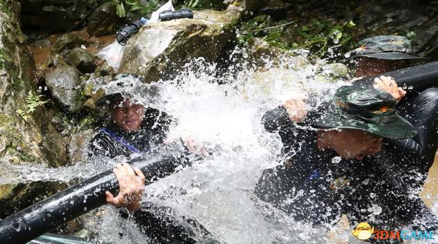 马斯克:打算设计小潜艇营救泰国洞穴被困儿童