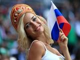 俄罗斯美女球迷现场照 造型惊艳助威球队进八强