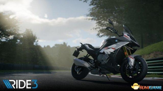 """《极速骑行3》预告片:这条道路被称为""""摩托天堂"""""""
