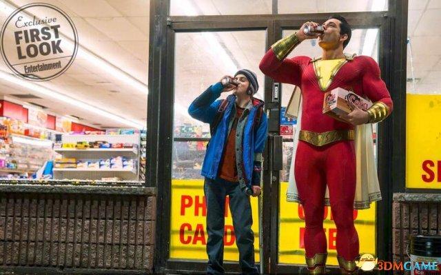 DC也有逗比英雄了!超英大片《沙赞》首曝剧照