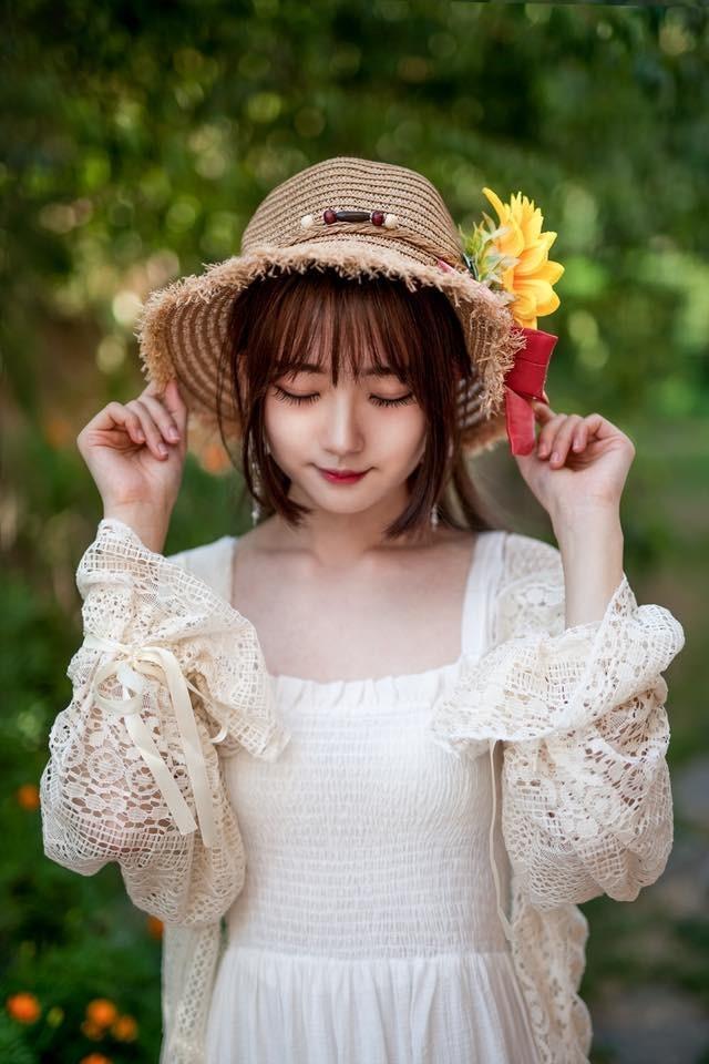 韩国妹子Cos《守望先锋》D.va美图 娇俏可爱比心卖萌