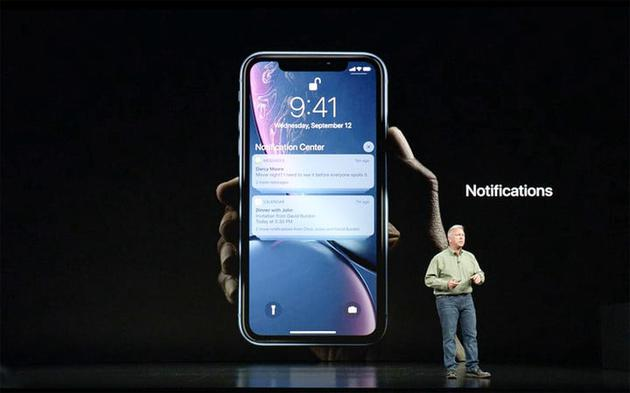 iPhone外媒评价汇总:价格继续抬高 单价越贵越赚钱