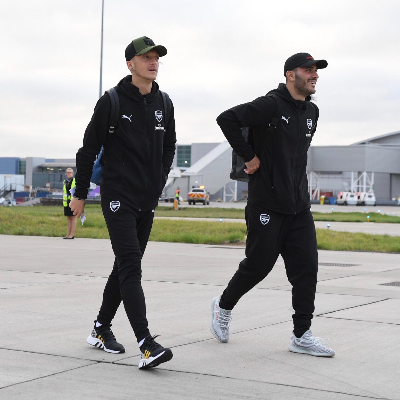 德國球星厄齊爾開通直播 和隊友組隊玩《堡壘之夜》