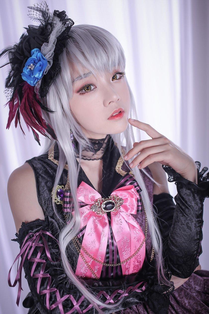 前螺旋貓成員Miyuko新Cos美圖 高貴冷艷的偶像歌手