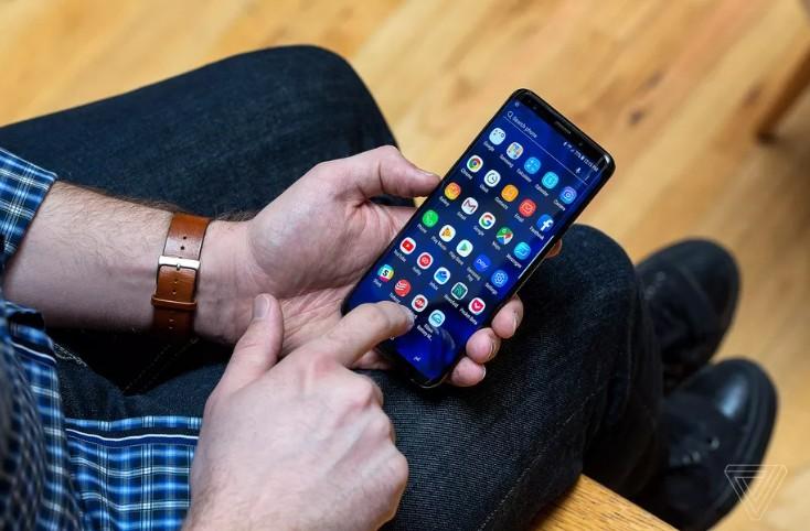 <b>谷歌将向安卓手机制造商收费 在欧洲安卓机或将提价</b>