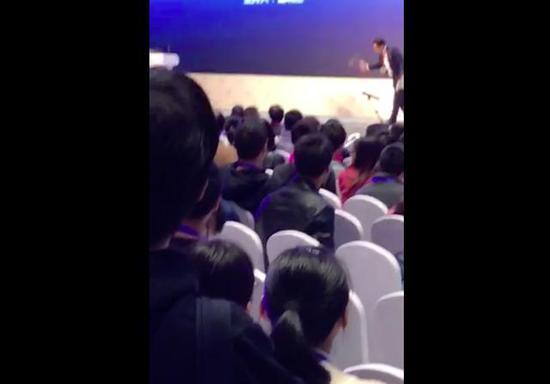 360高管谭晓生不满拖堂和临时加议程 大闹中国计算机大会