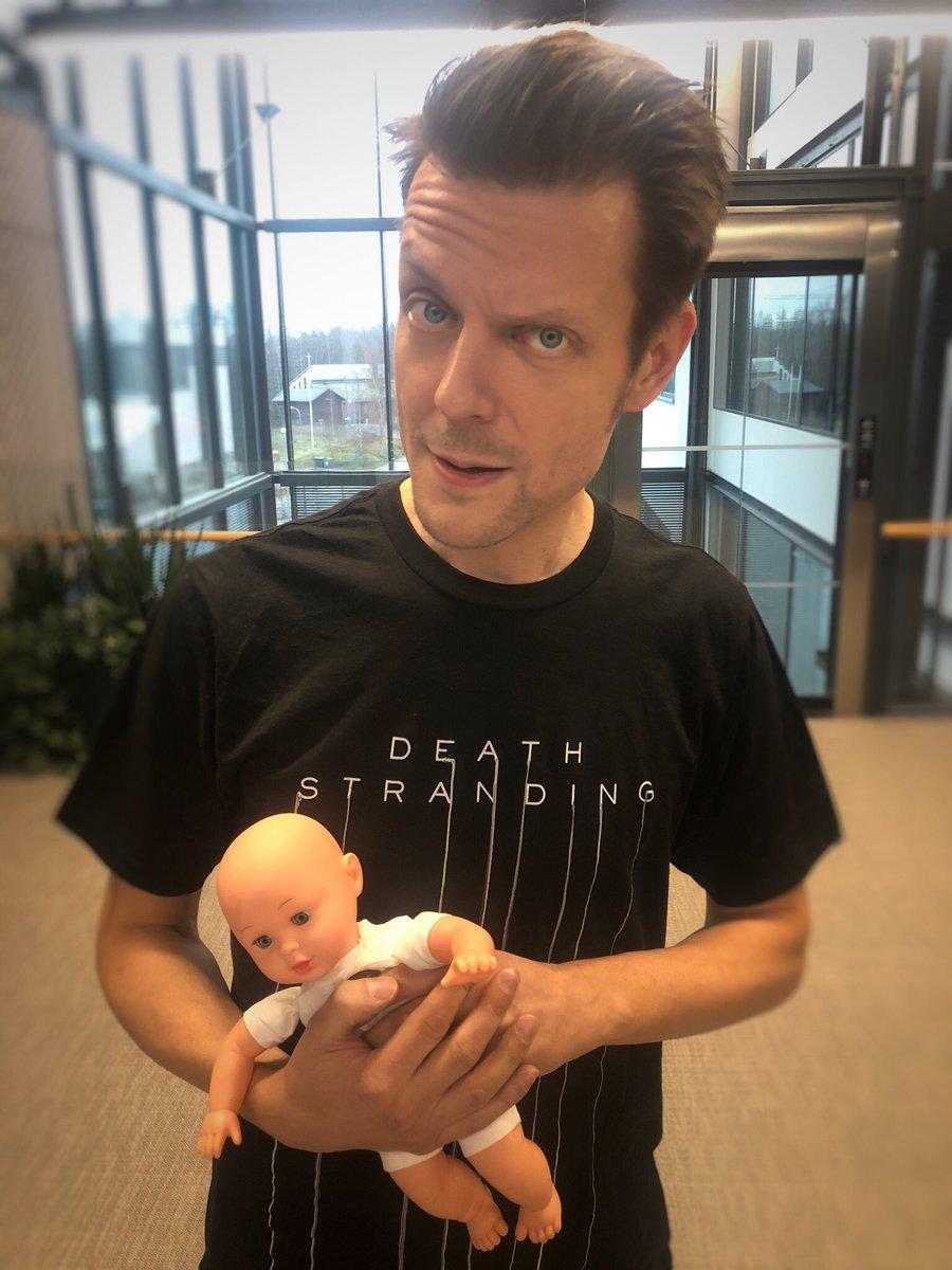 要加盟了?马克思佩恩身穿死亡搁浅T恤口吐婴儿臂