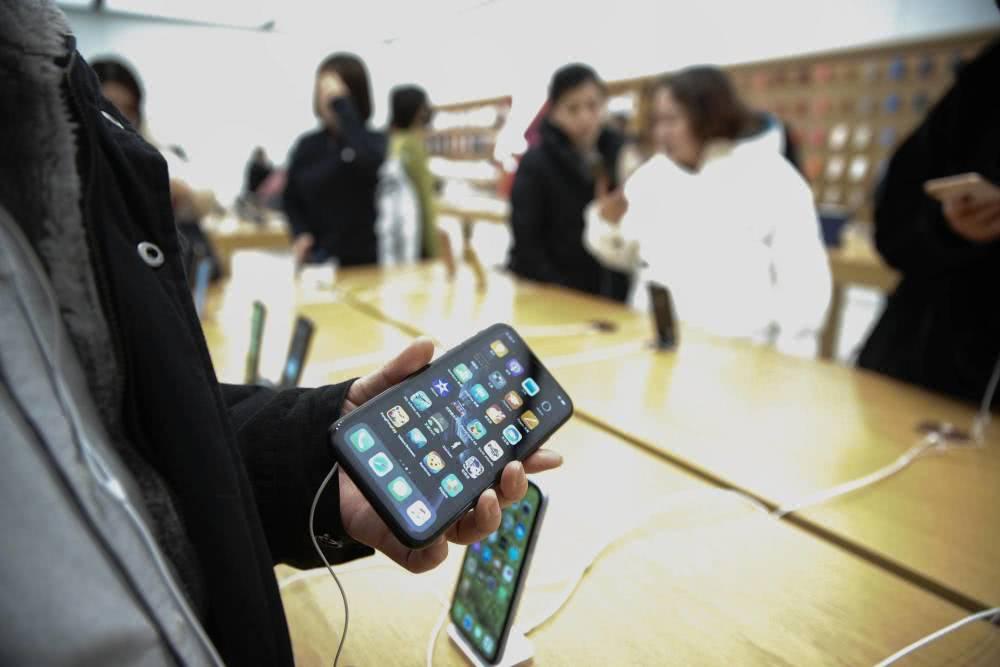 苹果下滑国货起势:从模仿到超越,国内市场已占九成