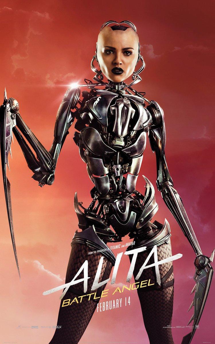《阿丽塔:战斗天使》角色海报 阿丽塔手持利刃霸气