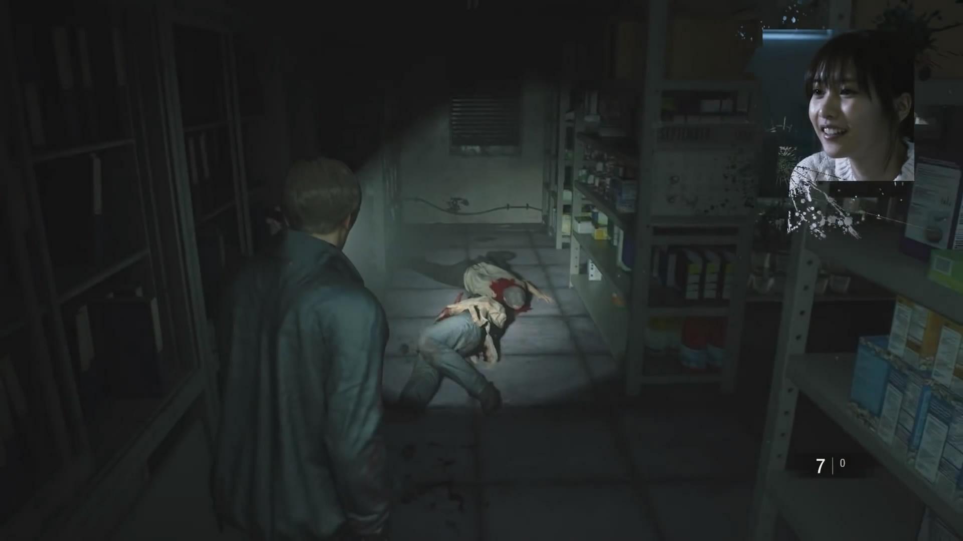 日本女明星玩《生化危机2:重制版》 惊声尖叫差点吓尿