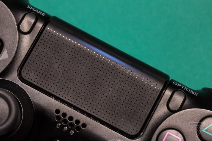 超大号暂停键:论PS4手柄Dualshock 4触控面板