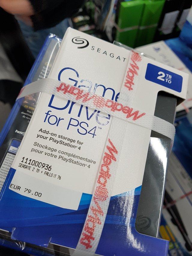 快帮帮B社!在德国买PS4游戏外置硬盘就送《辐射76》
