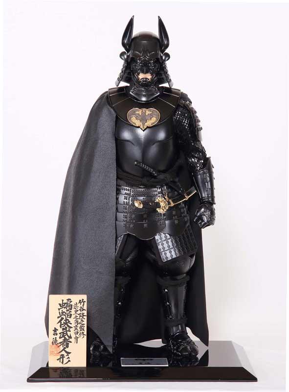 神秘诡异黑衣黑甲 蝙蝠侠强势化身日本传统古人偶霸气凛然