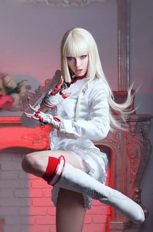俄罗斯美女Cos《铁拳》格斗少女莉莉 大长腿吸睛