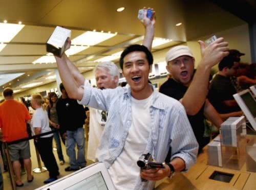 5G和折叠手机吸引力有限,近半数用户并不打算换新机