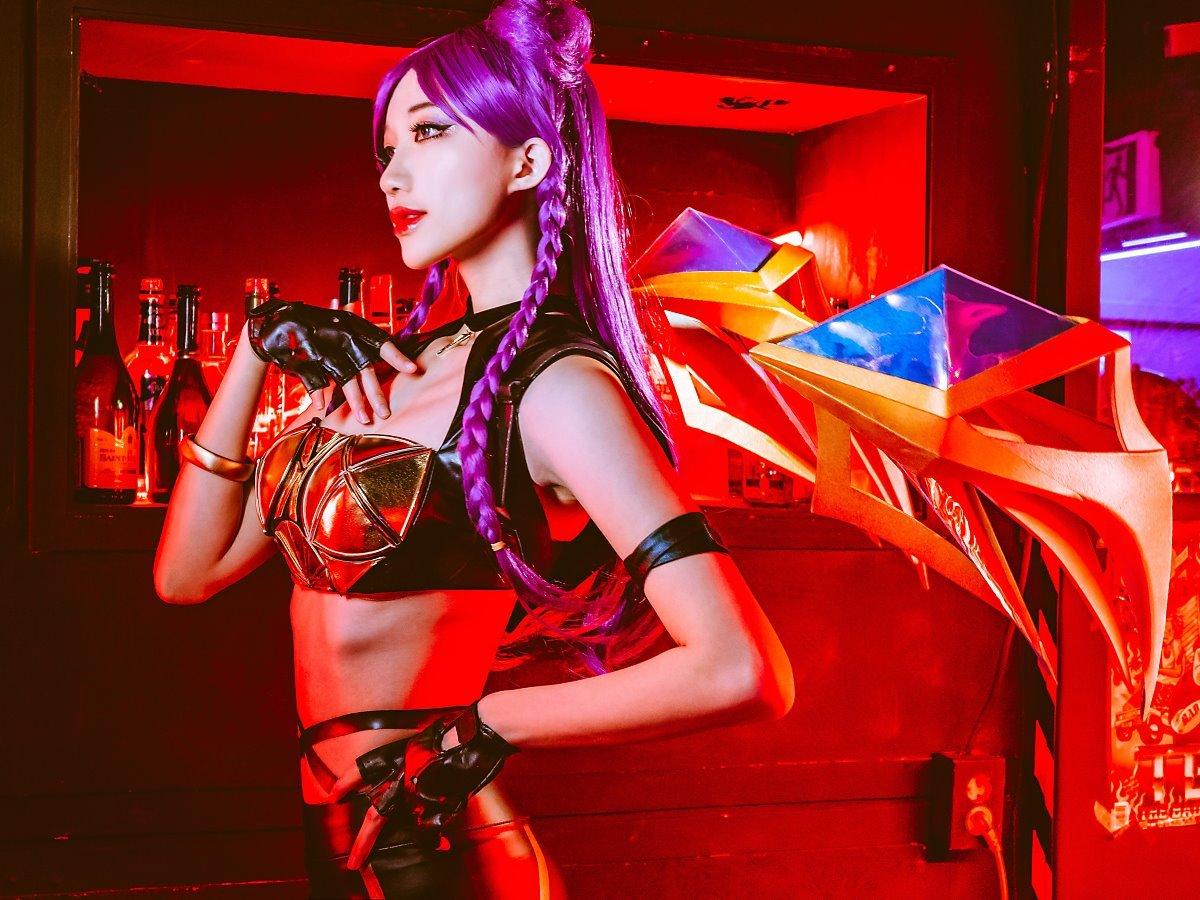 韩国美女Cos《LOL》K/DA女团 性感妖娆风格迥异