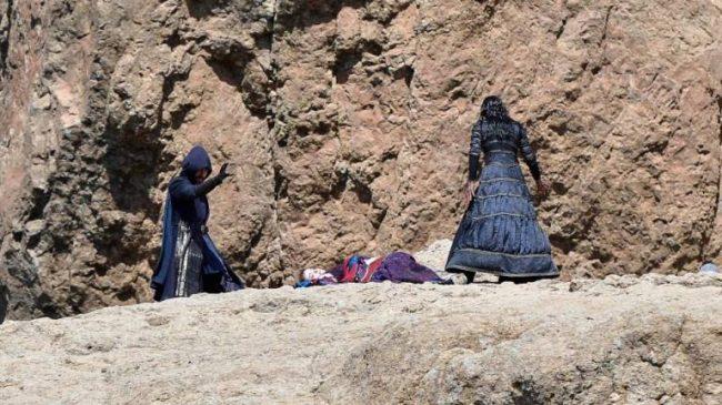 《巫師》電視劇新拍攝照泄露 葉奈法大戰魔法師