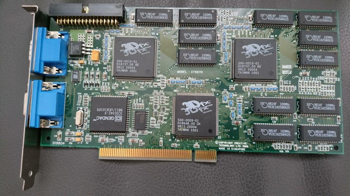 国外大神用8张22年前的上古显卡组PC 玩《半条命》