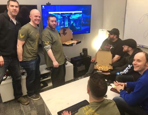 <b>不要了!《光环》工作室表示粉丝送的披萨多到吃不下</b>
