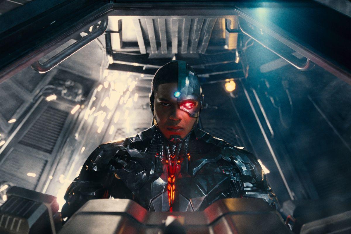 DC《钢骨》独立电影被砍了!演员也要重新换人